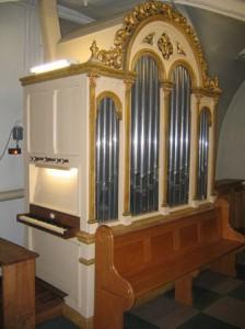 Pereboom orgel Sweikhuizen-Restauratie front na schade