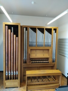 Blankenberge (Belgie) Muziekschool Verplaatsing orgel binnen het gebouw.